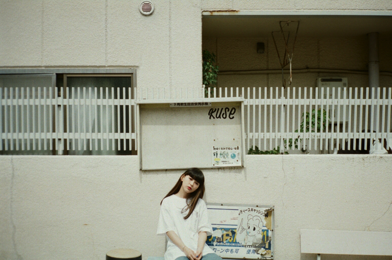 クリープハイプのオフィシャルグッズ、菅沼ゆりをモデルに尾崎世界観さんが撮り下ろし!