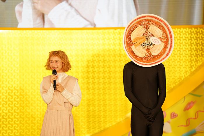 幸楽苑アンバサダー三戸なつめがイベントに登場! TEMPURA KIDZがプロデュースする「めん☆ダンス」コンテスト開催