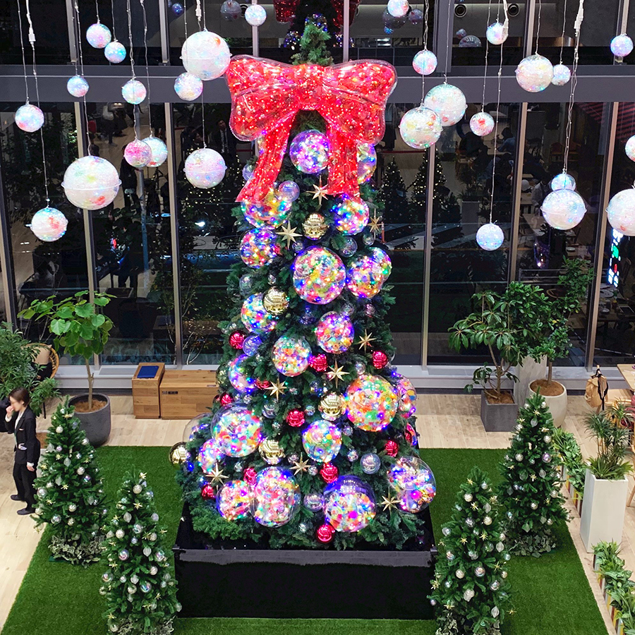 増田セバスチャン、テラスモール松戸初のクリスマスのツリーをデザイン